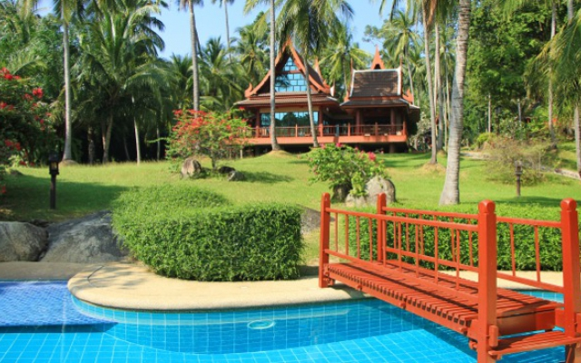 Siam House - Zwembad en huis