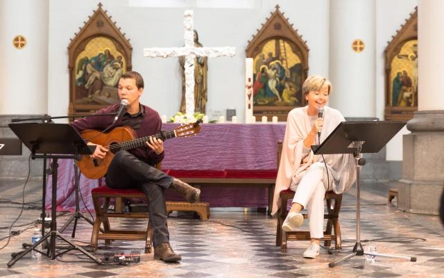 Tom en Ingeborg met blije muziek
