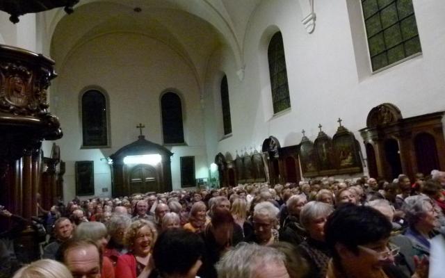 Volle kerk voor het meezingconcert met Ingeborg