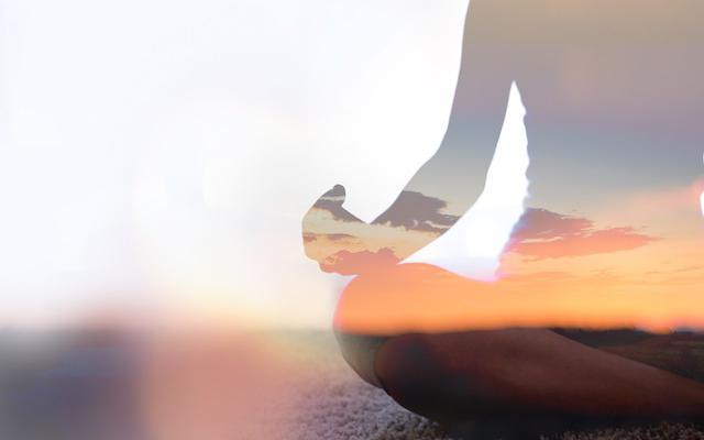 Yoga heel transparant en zacht oranje grijs 640