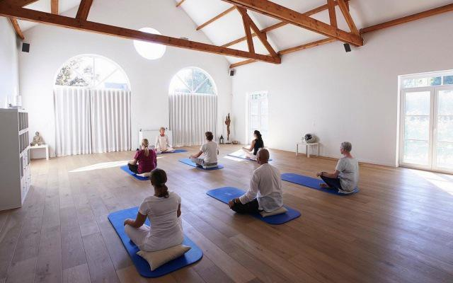 Ingeborg geeft dru yoga in de evolutie 640
